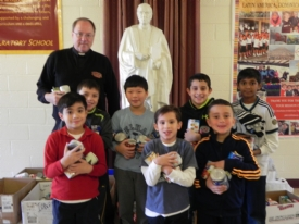 Gaels Collecting for the Needy this Thanksgiving