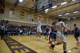 Gaels basketball goes 3-1 in quadruple-header, including huge Senior Night win over Stepinac